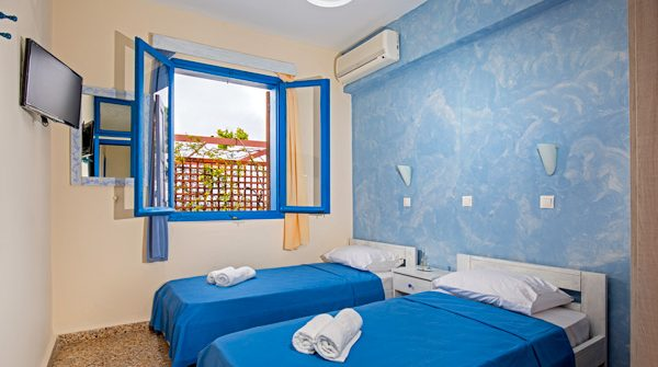 3. One Bedroom Apartment (Acropolis & Sea View)